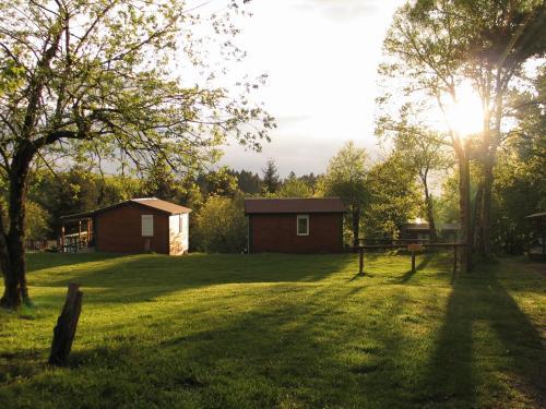 Camping Auberge les Myrtilles : Guest accommodation near Barrais-Bussolles