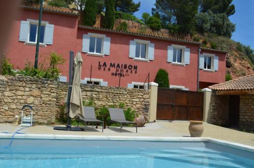 La Maison des Ocres : Hotel near Roussillon