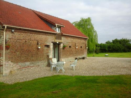 Les Babylones : Bed and Breakfast near Vrocourt