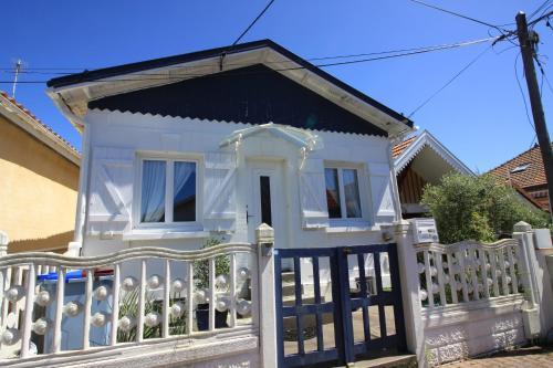 Villa Pervenche Arcachon : Guest accommodation near La Teste-de-Buch