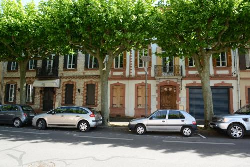 Residence Georges V : Apartment near Albi