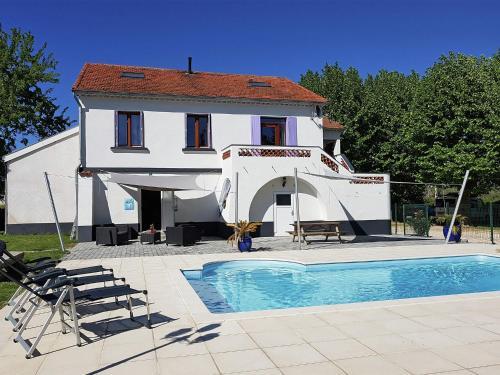 Villa Suus : Guest accommodation near Saint-Hilaire-de-Brethmas
