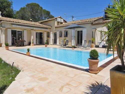 Villa Puget sur Argens : Guest accommodation near Puget-sur-Argens
