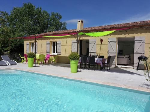 Villa Lirac : Guest accommodation near Saint-Paul-les-Fonts