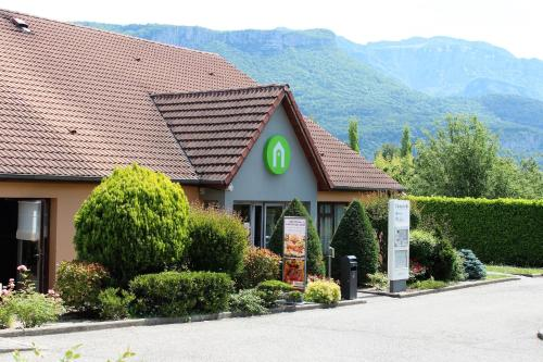 Campanile Grenoble Nord - Moirans-Voreppe : Hotel near Massieu