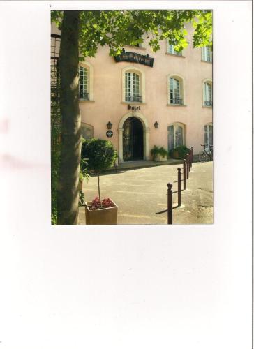 Les Echevins : Hotel near Beaucaire