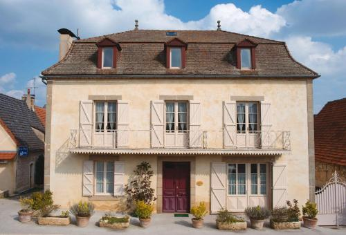 Maison d'Hotes Orlaya : Guest accommodation near Anglars