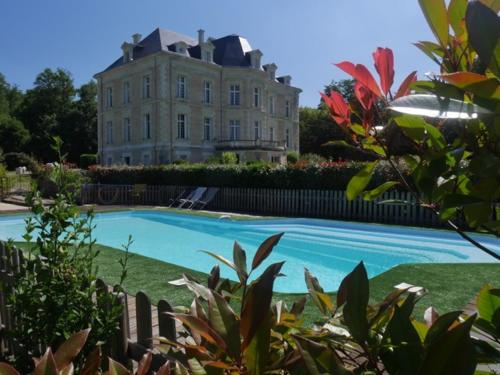 Château de la Haye : Bed and Breakfast near Miré
