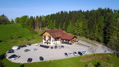 Hôtel-Restaurant L'Etang du Moulin : Hotel near Bretonvillers