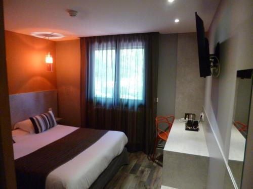 Logis La Fontaine : Hotel near Monay