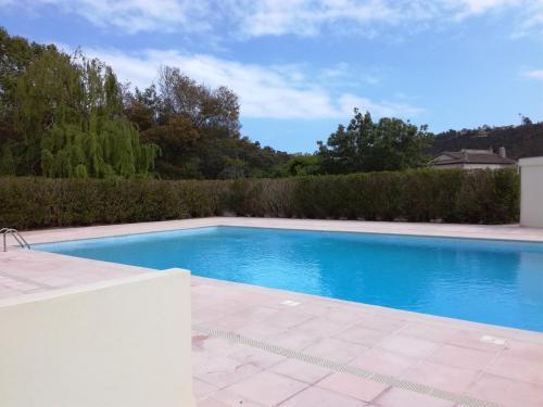 Beau deux pièces avec piscine : Apartment near Théoule-sur-Mer