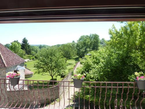 Les écureuils en Bourgogne : Guest accommodation near Jours-en-Vaux