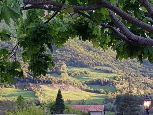 Auberge les Rastels : Guest accommodation near Saint-Genis
