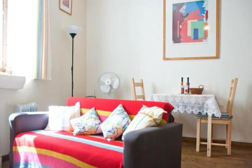 Studio Barberouge : Apartment near Tourreilles