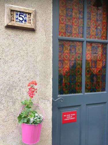 The Good Studio Vezelay : Apartment near Beaulieu