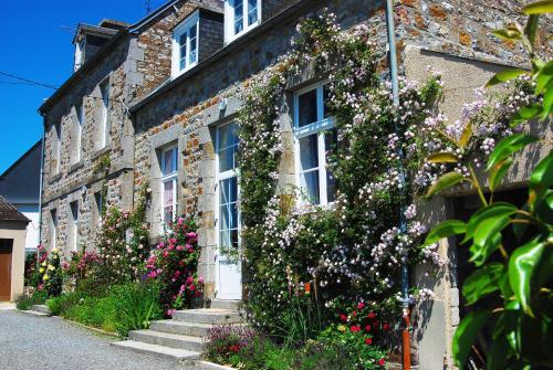 Maison Voie Verte : Bed and Breakfast near Saint-Clément-Rancoudray