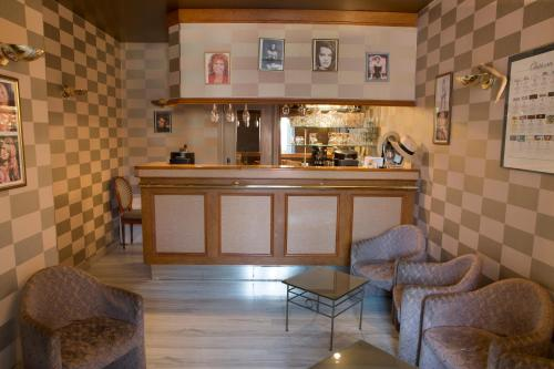 Blanche de Castille : Hotel near Escrignelles