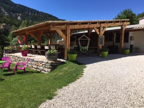 Camping Calme et Nature : Guest accommodation near Vergons